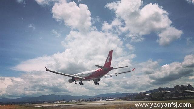 坐一次飞机辐射量等于十次胸透?